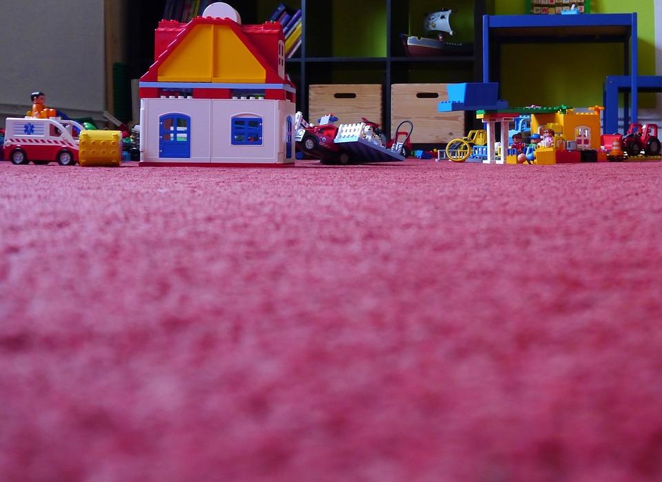 Proč do dětského pokoje pořídit koberec?
